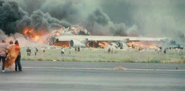 Tenerife-Airport-Disaster World's 5 Worst Air Disasters