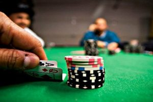 How to Dominate Poker as the Chip Leader