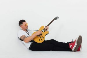 Stuart Reece releases brand new EP: 'Temples And Timebombs'