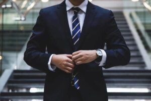 5 Fool-Proof Tips To Look Sharp in 2021 (For Men)