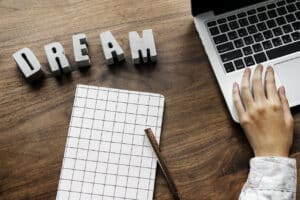 4 Tips For Successfully Starting a Side Business