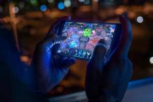 10 Ultimate Gaming Phones (Infographic)