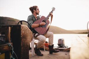 """Jeremy Loops Releases New Single: """"Postcards"""""""